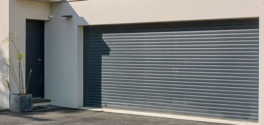 Rolltore eignen sich für breite Garagen