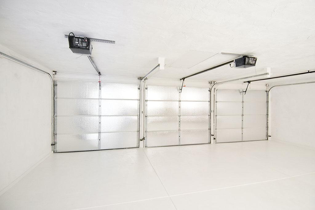 Viel Raum und Platz mit Sektionaltoren (elektrischer Antrieb)
